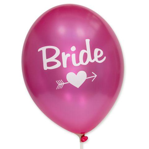 """Metallic fuchsia Ballon mit weißem Aufdruck """"Bride"""". Darunter befindet sich ein Herz mit einem Pfeil."""