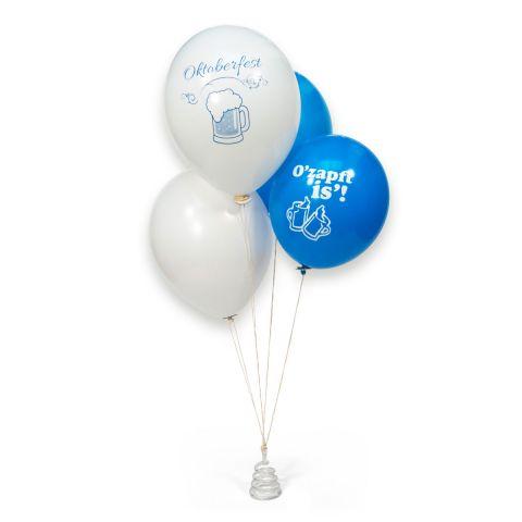 """Heliumgefüllte weiße und blaue Ballons mit Aufdruck """"Okoberfest"""" und """"O'Zapft is'!"""" an Ballongewich- Spirale und Öko-Fix-Bändern."""